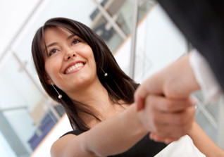 Do Recruiters Base Their Hiring Decisions On a Handshake?